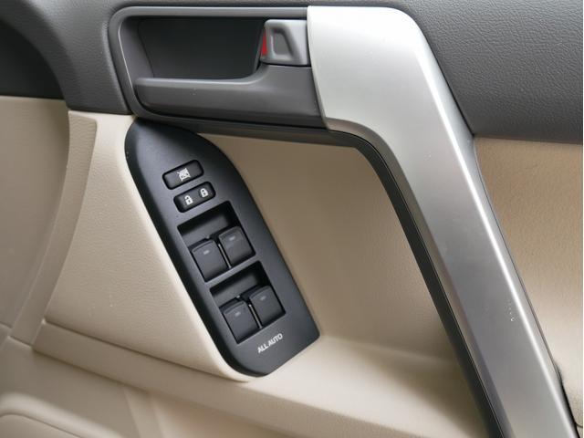 TX 新車金利1.9パーセント クリーンディーゼル TX メーカーオプション込み 新車カスタムPKG 各部ブラックアウト 2インチUP オープンRT ガンメタ17インチAW ブラウンレザーシートカバー サン(56枚目)