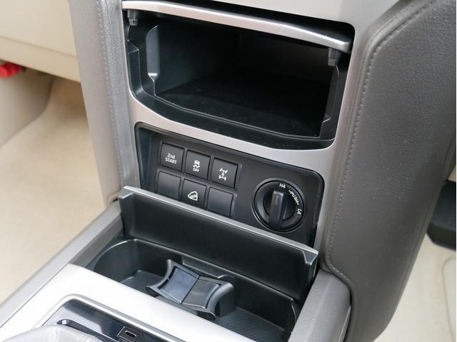 TX 新車金利1.9パーセント クリーンディーゼル TX メーカーオプション込み 新車カスタムPKG 各部ブラックアウト 2インチUP オープンRT ガンメタ17インチAW ブラウンレザーシートカバー サン(62枚目)