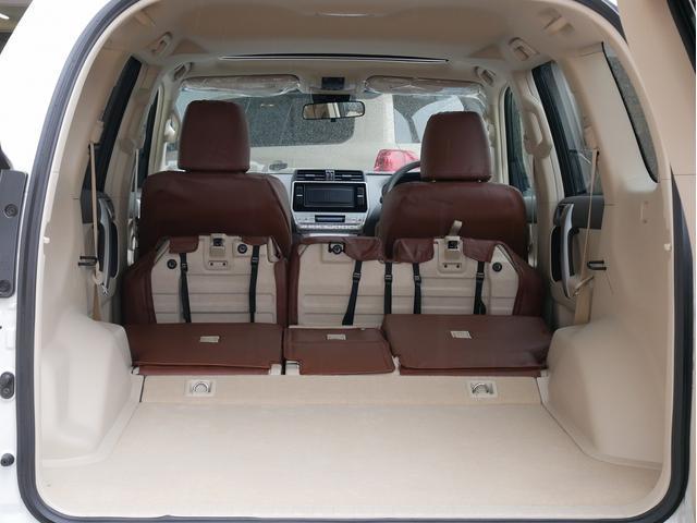 TX 新車金利1.9パーセント クリーンディーゼル TX メーカーオプション込み 新車カスタムPKG 各部ブラックアウト 2インチUP オープンRT ガンメタ17インチAW ブラウンレザーシートカバー サン(70枚目)