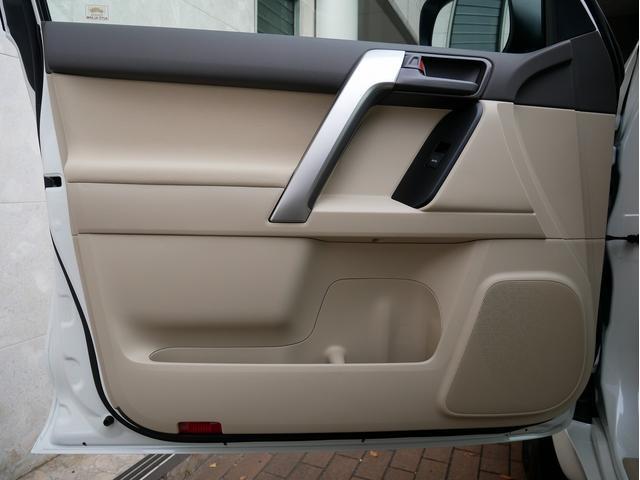 TX 新車金利1.9パーセント クリーンディーゼル TX メーカーオプション込み 新車カスタムPKG 各部ブラックアウト 2インチUP オープンRT ガンメタ17インチAW ブラウンレザーシートカバー サン(73枚目)