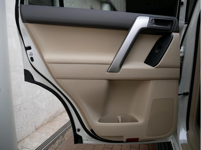 TX 新車金利1.9パーセント クリーンディーゼル TX メーカーオプション込み 新車カスタムPKG 各部ブラックアウト 2インチUP オープンRT ガンメタ17インチAW ブラウンレザーシートカバー サン(74枚目)