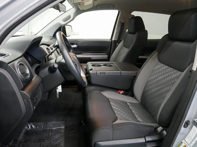 米国トヨタ タンドラ クルーマックスSR5 4WD 18年モデル新車 トノカバー
