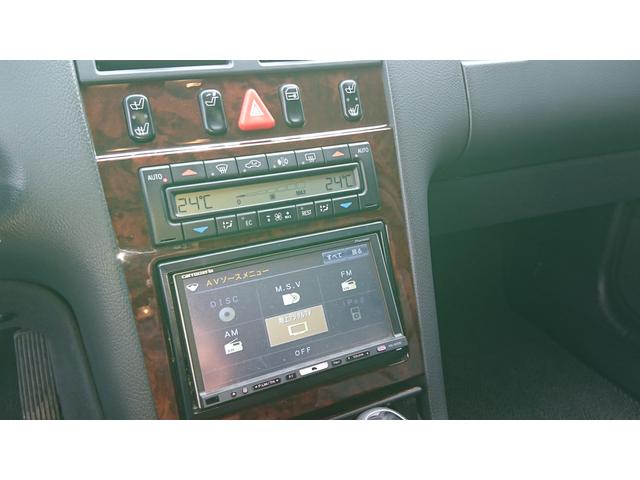E320 4マチック 4WD 黒革 左ハンドル ディーラー車(10枚目)