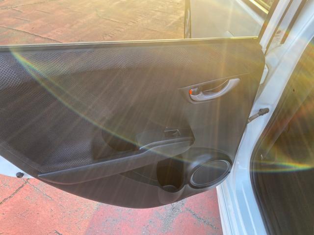 RS RS(5名)フォグ スカイルーフ オートエアコン タイミングチェーン パドルシフト アルミ キーレス ローダウン HID ナビ TVなし(22枚目)