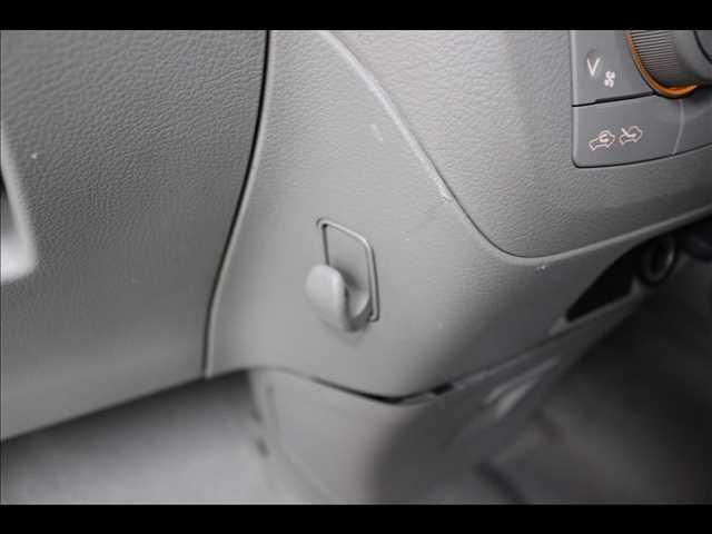 G 衝突軽減ブレーキ スライドドア DVD再生(33枚目)