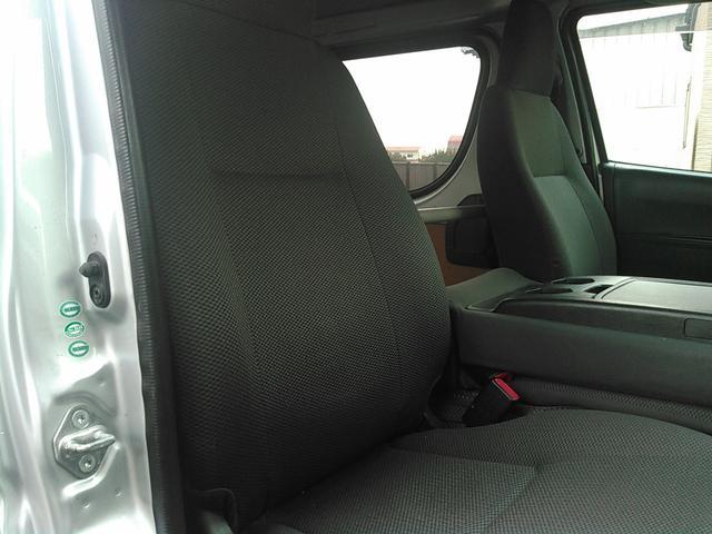 トヨタ ハイエースバン DX 5ドア Tベルト交換済み 純正ナビ バックカメラ