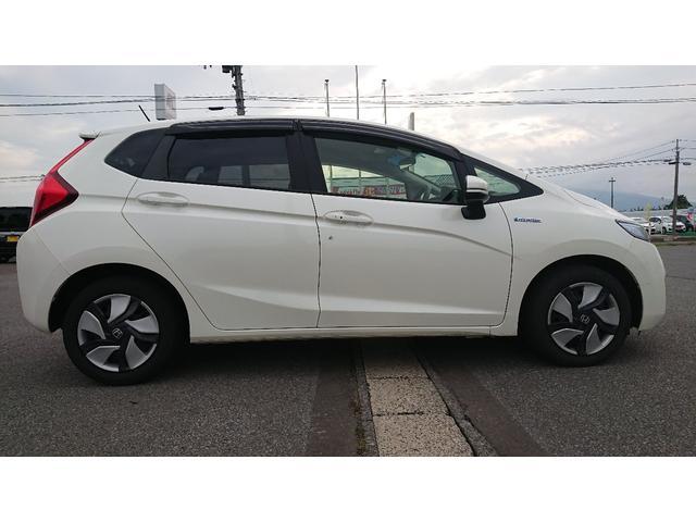 「ホンダ」「フィットハイブリッド」「コンパクトカー」「青森県」の中古車4