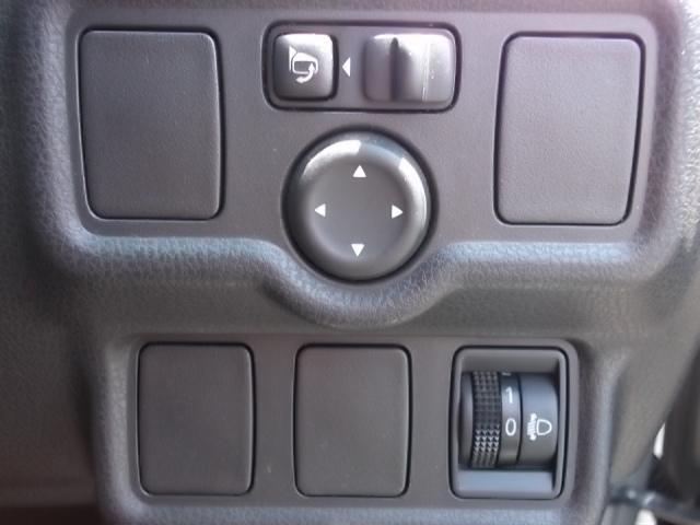 日産 ノート X FOUR 4WD 純正オーディオ キーフリー