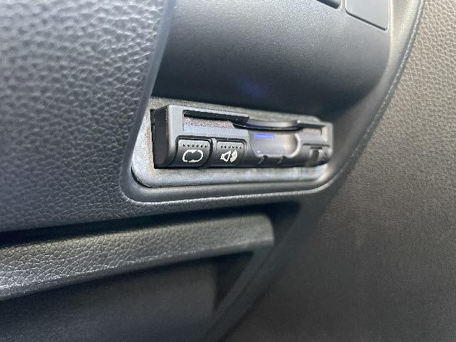 ハイブリッドDX メモリーナビ DVD再生 Bluetooth フルセグ バックカメラ ETC スマートキー キーレス 盗難防止装置 USBジャック(11枚目)