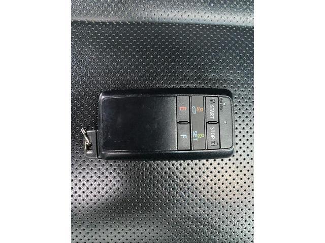 エグゼクティブラウンジ 革シート Wサンルーフ 4WD メーカーOPナビ JBL リアエンターテイメント フルセグ バックカメラ ETC 両側パワスラ 純正17インチAW(35枚目)