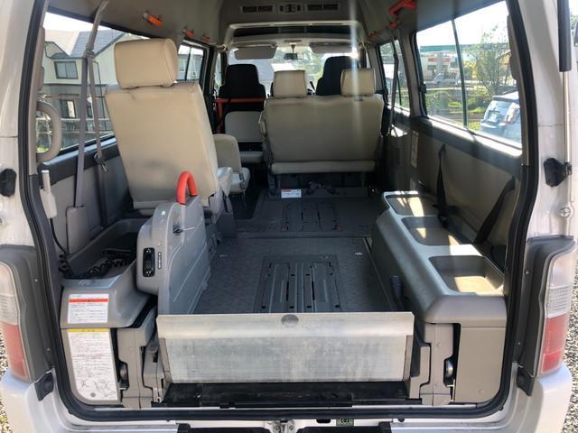 チェアキャブ 福祉車両 4WD 車いす2名 合計10名乗車 車イス昇降リフト オートステップ 後席エアコン(6枚目)