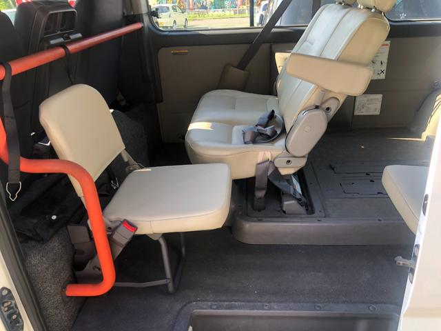 チェアキャブ 福祉車両 4WD 車いす2名 合計10名乗車 車イス昇降リフト オートステップ 後席エアコン(7枚目)