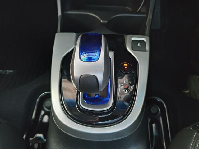 Lパッケージ 禁煙 ワンセグ・Bluetooth・バックカメラ・ドライブレコーダー クルーズコントロール ハーフレザーシート 6エアバック 電動格納ミラー ミラーウィンカー 社外アルミ15(6枚目)