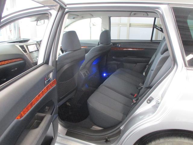 2.5iアイサイト 4WD 禁煙 フルセグ・バックカメラ・Bluetooth・ETC 追従クルコン・衝突被害軽減・レーンアシスト 電動シート 8エアバック HIDライト・フォグランプ 純正アルミ17(22枚目)