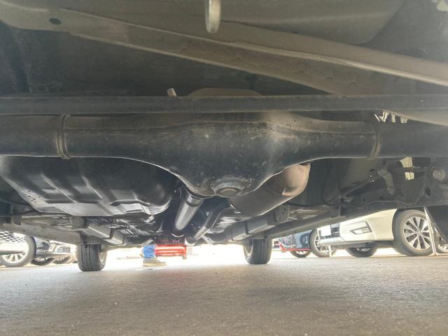 X 4WD 禁煙車 ピラーレス電動スライドドア キーレス スマートキー 横滑り防止 アイドリングストップ ベンチシート フルフラットシート 電動格納ミラー(6枚目)