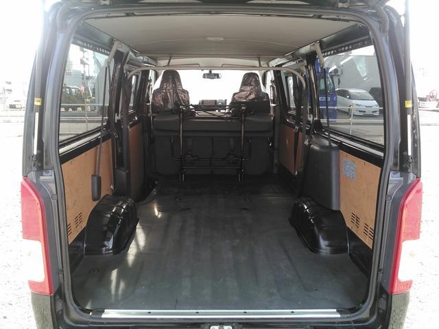 ロングDX GLパッケージ 9人乗り ディーゼルターボ4WD(2枚目)