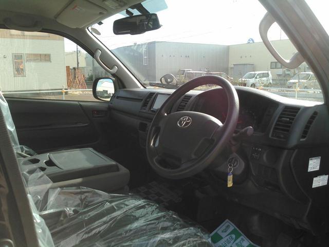 ロングDX GLパッケージ 9人乗り ディーゼルターボ4WD(17枚目)