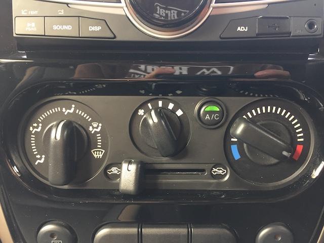 ランドベンチャー K3プレミアム2.5インチリフトUP&前後ショートバンパー&スキッドプレート&マフラー&サイドステップ ジオランダーM/T クオーレモジュレ合皮シート 前席シートヒーター 切替4WD CDオーディオ(7枚目)