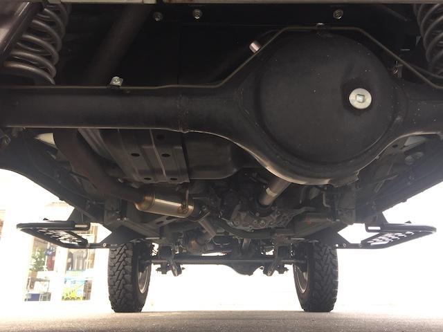 ランドベンチャー K3プレミアム2.5インチリフトUP&前後ショートバンパー&スキッドプレート&マフラー&サイドステップ ジオランダーM/T クオーレモジュレ合皮シート 前席シートヒーター 切替4WD CDオーディオ(36枚目)