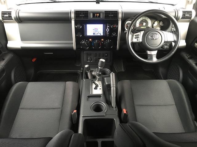ブラックカラーパッケージ フロント2.5インチ・リア1.5インチリフトアップスペーサー 新品ジオランダーM/T 新品グリルガード 新品ルーフラック 新品LEDウインカー 新品テールランプガード 純正SDナビ フルセグ(4枚目)