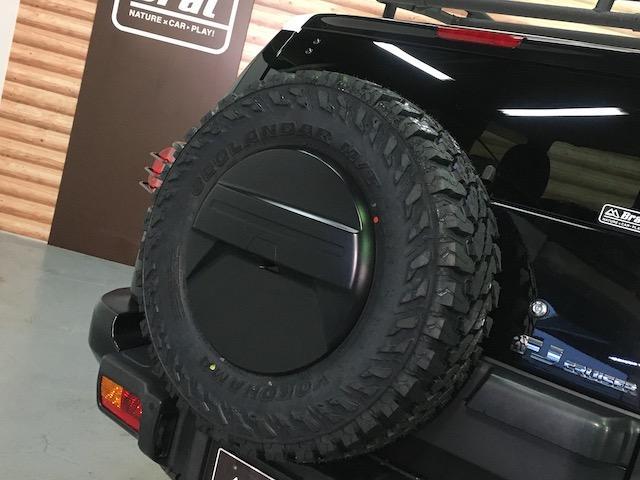 ブラックカラーパッケージ フロント2.5インチ・リア1.5インチリフトアップスペーサー 新品ジオランダーM/T 新品グリルガード 新品ルーフラック 新品LEDウインカー 新品テールランプガード 純正SDナビ フルセグ(35枚目)