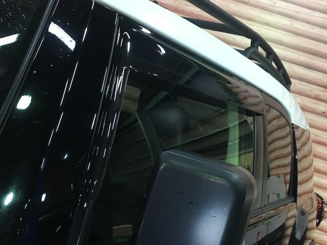ブラックカラーパッケージ フロント2.5インチ・リア1.5インチリフトアップスペーサー 新品ジオランダーM/T 新品グリルガード 新品ルーフラック 新品LEDウインカー 新品テールランプガード 純正SDナビ フルセグ(38枚目)