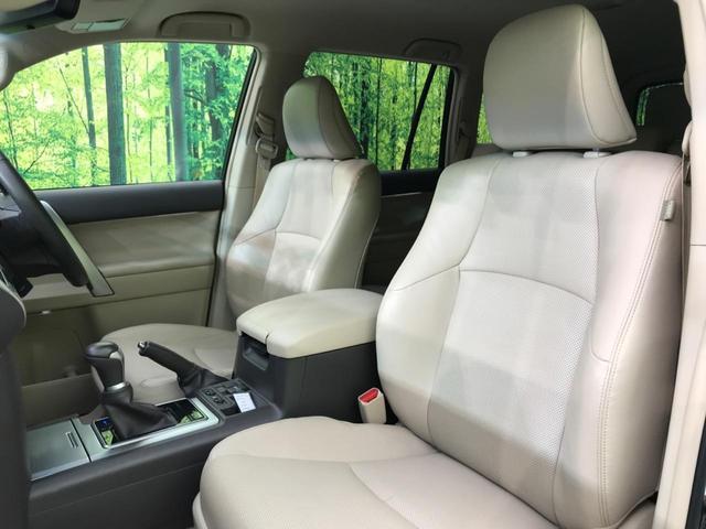 TX Lパッケージ 4WD 純正9型ナビ 7人乗 セーフティセンス ベンチレーター パワーシート オートハイビーム LEDヘッド バックカメラ スマートキー プッシュスタート 純正17AW ビルトインETC 禁煙車(24枚目)