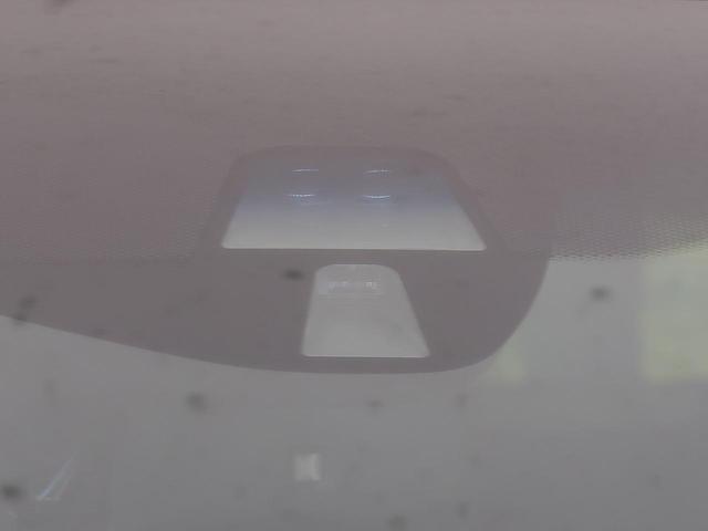ハイブリッドZ 純正インターナビ あんしんパッケージ コンフォートビューPKG 衝突被害軽減装置 ルーフレール 前席シートヒーター バックカメラ クルコン LEDヘッド bluetooth ETC スマートキー 禁煙(7枚目)