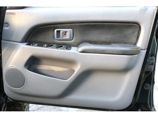 SSR-X ワイド リフトアップ 新品クリスタルヘッドライト 新品ウインカー 新品TOYOTAグリル マッドブラックペイントホイール 新品タイヤ 外装ポリマーコーティング施工 足廻り油性シャーシコート 西日本仕入(31枚目)