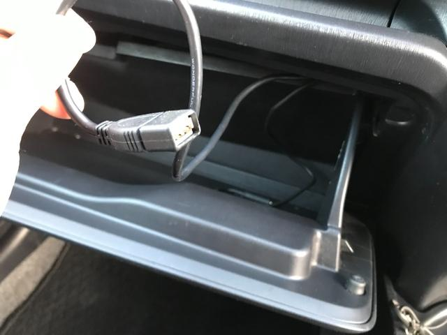 ジュエラ 1年保証付/禁煙車/ストラーダフルセグナビ/Bluetooth接続/走行中TV視聴可/スマートキー/キー2つ有り/冬タイヤアルミセット付き/サブウーファー付き/電格ミラー(5枚目)
