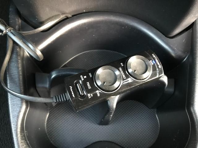 ジュエラ 1年保証付/禁煙車/ストラーダフルセグナビ/Bluetooth接続/走行中TV視聴可/スマートキー/キー2つ有り/冬タイヤアルミセット付き/サブウーファー付き/電格ミラー(31枚目)
