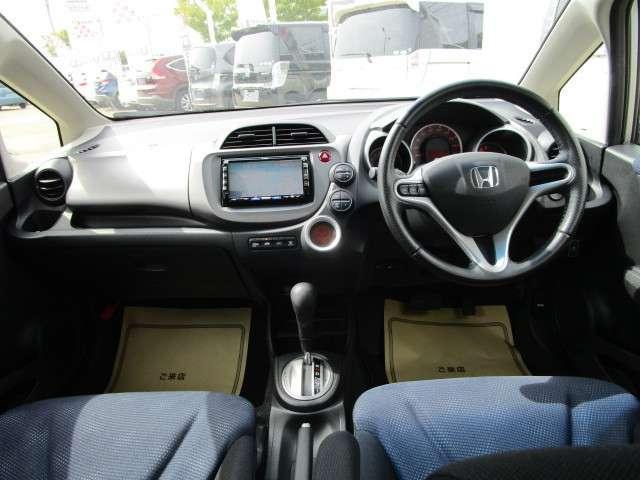 L 4WD メモリーナビ ワンセグTV 本革巻ステアリングホイール ETC HIDヘッドライト ABS エアバッグ 寒冷地仕様 電動格納ミラー コンパクトカー(8枚目)