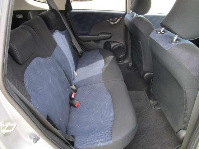 L 4WD メモリーナビ ワンセグTV 本革巻ステアリングホイール ETC HIDヘッドライト ABS エアバッグ 寒冷地仕様 電動格納ミラー コンパクトカー(15枚目)