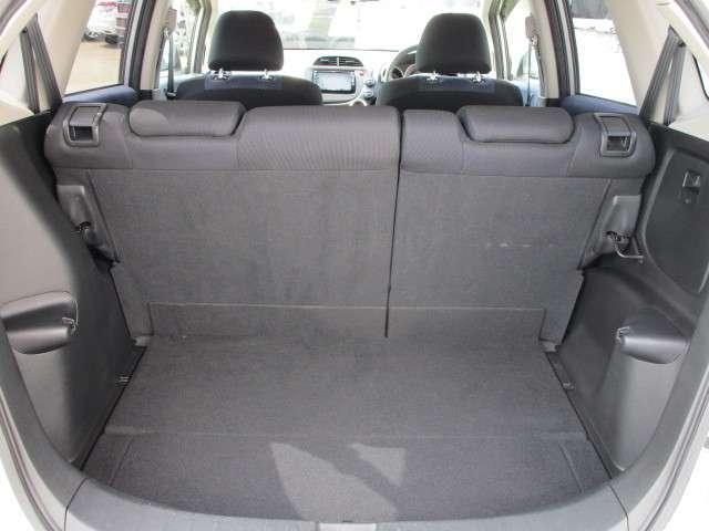 L 4WD メモリーナビ ワンセグTV 本革巻ステアリングホイール ETC HIDヘッドライト ABS エアバッグ 寒冷地仕様 電動格納ミラー コンパクトカー(16枚目)