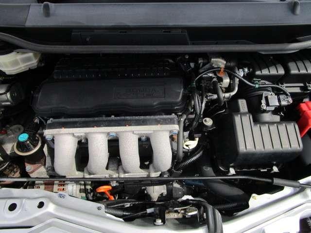L 4WD メモリーナビ ワンセグTV 本革巻ステアリングホイール ETC HIDヘッドライト ABS エアバッグ 寒冷地仕様 電動格納ミラー コンパクトカー(17枚目)