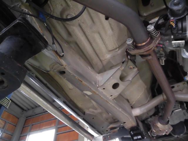 クロスアドベンチャーXC サロモン 4WD 5MT リフトアップ ABS ナビ フルセグTV Bluetooth接続 CD DVD ETC ルーフキャリア インタークーラーターボ パートタイム4WD高低二段切替式(41枚目)
