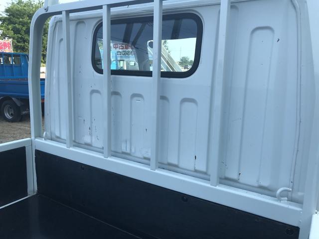 トラック エアコン パワーウィンドウ 3名乗り 5速MT(10枚目)