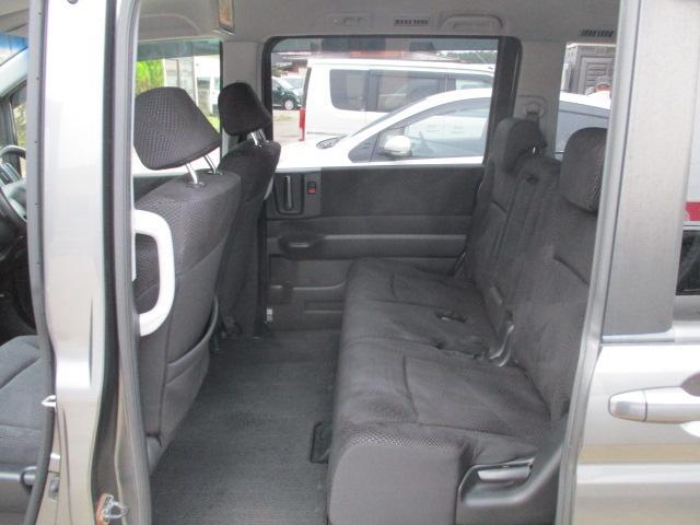 Z 4WD ナビ・フルセグテレビ バックカメラ 後席モニター 両側パワースライドドア HID(10枚目)