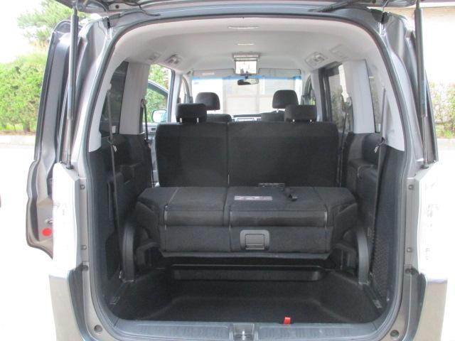 Z 4WD ナビ・フルセグテレビ バックカメラ 後席モニター 両側パワースライドドア HID(11枚目)