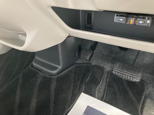 X ナビ フルセグ Bluetooth アラウンドビューモニター 衝突被害軽減装置 アイドリングストップ ETC プッシュスタート スマートキー 電動ミラー 取説 保証書(32枚目)