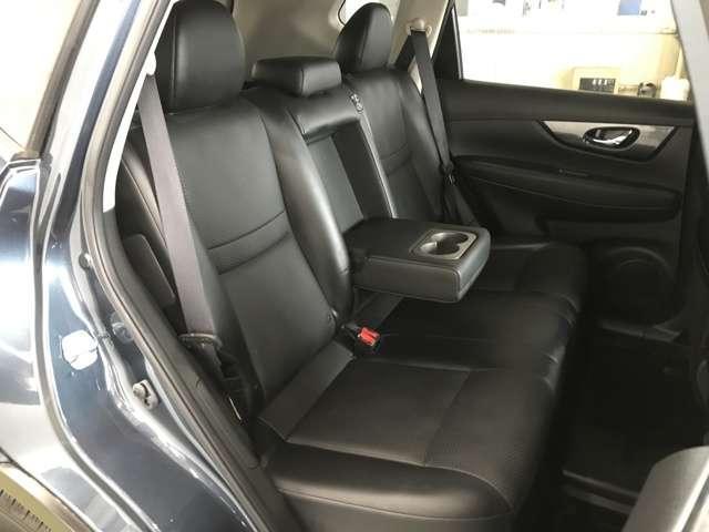 20X ハイブリッド エマージェンシーブレーキP 4WD 衝突被害軽減ブレーキ ナビ フルセグ Bluetooth アラウンドモニター パークアシスト クルーズコントロール パワーテールゲート ルーフレール LEDヘットライトト ETC スマートキー(12枚目)
