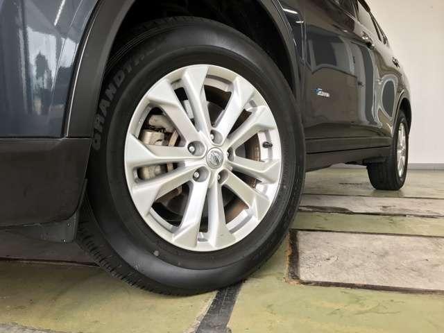 20X ハイブリッド エマージェンシーブレーキP 4WD 衝突被害軽減ブレーキ ナビ フルセグ Bluetooth アラウンドモニター パークアシスト クルーズコントロール パワーテールゲート ルーフレール LEDヘットライトト ETC スマートキー(17枚目)