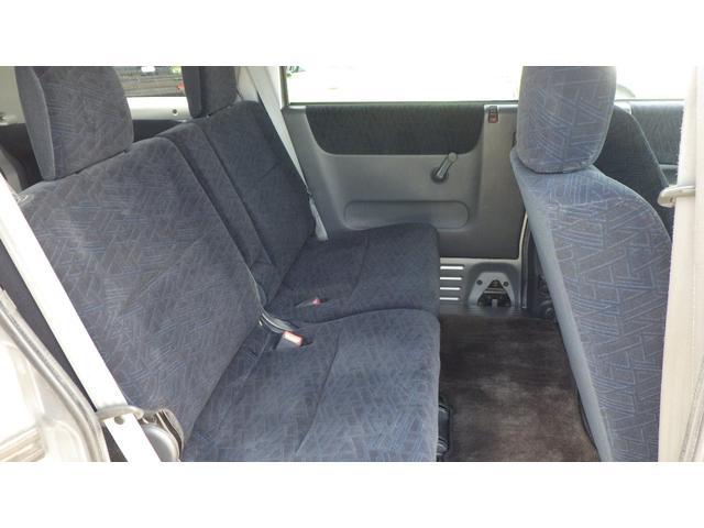 ターボ ターボSパッケージ 4WD CDオーディオ 両側スライドドアドア 13インチ純正アルミホイール(19枚目)
