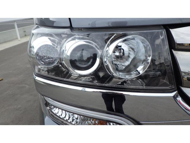 G・ターボLパッケージ 4WD ナビ フルセグ CD/DVD再生 バックカメラ クルーズコントロール 両側電動スライドドア HIDヘッドライト シートヒーター 15インチ純正アルミホイール ETC スマートキー(10枚目)