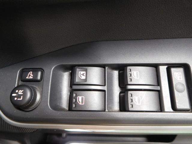 G SA ターボ 社外ナビ/TV 4WD アイドリングストップ オートライト 純正アルミ バックカメラ フロントカメラ シートシーター 両側パワースライドドア 横滑り防止 HID(18枚目)
