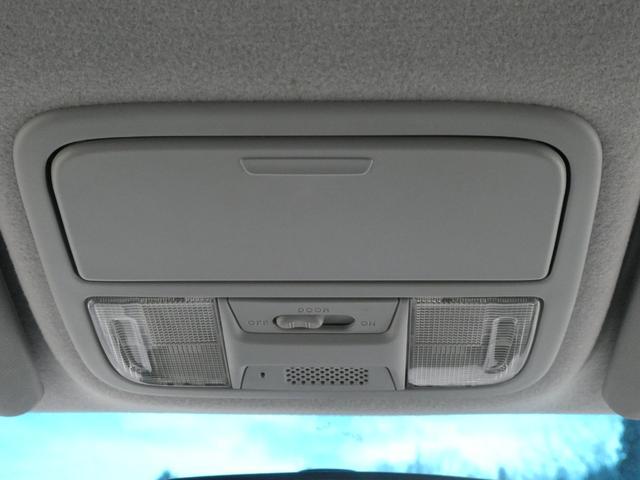 Z HDDナビエディション 両側パワ-スライドドア 純正HDDナビ 地デジTV Bモニタ- ビルトインETC 全方位カメラ スマ-トキ- 社外シ-トカバ- 純正アルミホイ-ル 純正ドアバイザ- HIDヘッドライト フォグランプ(31枚目)