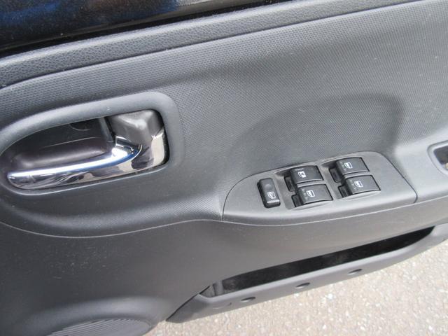 カスタム 4WD 純正オーディオ フォグライト キーレス 電動格納式ドアミラー ライトレベライザー 社外アルミ 盗難防止装置(15枚目)
