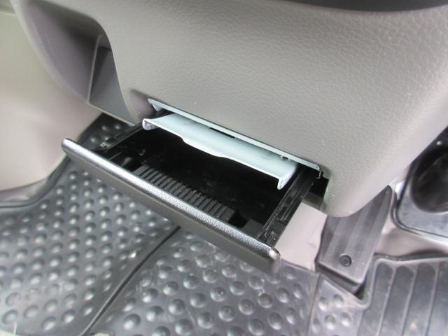 PA パートタイム4WD エアコン パワステ ライトレベライザー AMFMラジオ ABS(9枚目)