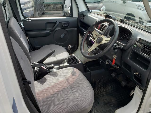 KCエアコン・パワステ 4WD 誕生50年記念車 KCリミテッド 4インチリフトアップ 15インチアルミ オープンカントリー 社外ステアリング 社外シフトノブ 社外テールレンズ 高低2段切替式 大型LEDライト アゲトラ(20枚目)