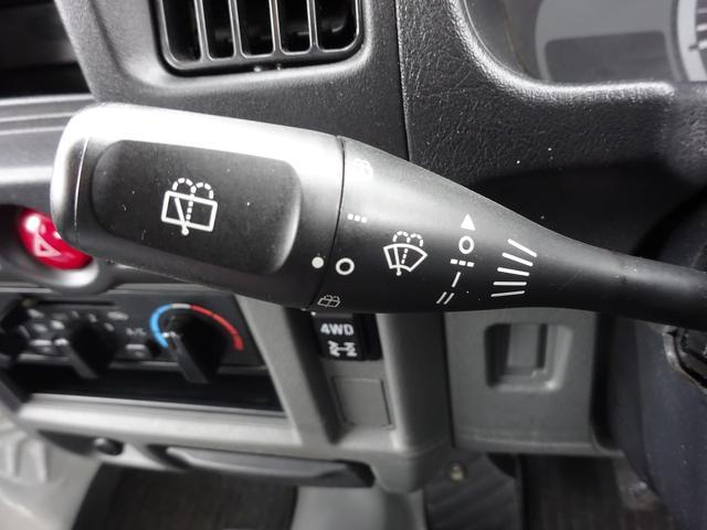 日産 NV100クリッパーバン DX 4WD AC PS Wエアバック ドアバイザー